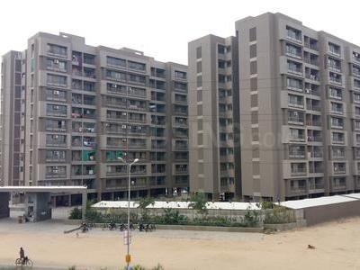 Gallery Cover Image of 1755 Sq.ft 2 BHK Apartment for buy in Nila Atuulyam, Makarba for 6500000