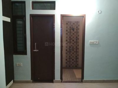 Gallery Cover Image of 800 Sq.ft 1 RK Independent Floor for buy in Jaswant Nagar for 1500000