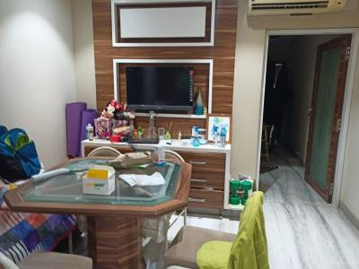 Gallery Cover Image of 780 Sq.ft 2 BHK Apartment for rent in Haridwar 1 and 2 Chs, Malad West for 45000