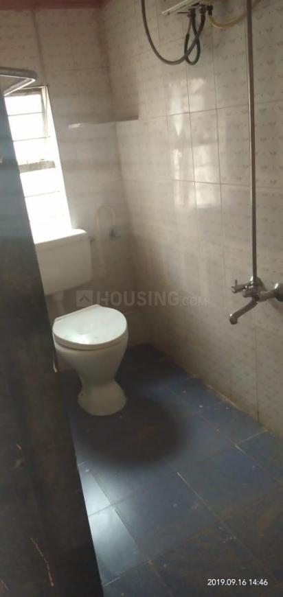 Common Bathroom Image of 800 Sq.ft 2 BHK Apartment for rent in Bibwewadi for 13000