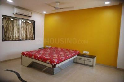 Gallery Cover Image of 2500 Sq.ft 4 BHK Apartment for buy in Dunhill Corner, Santacruz East for 81400000