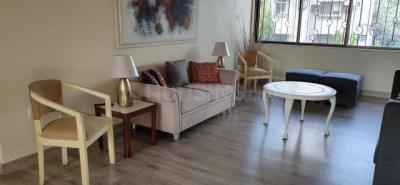 Gallery Cover Image of 2100 Sq.ft 3 BHK Apartment for rent in Bajaj Onyx, Khar West for 300000