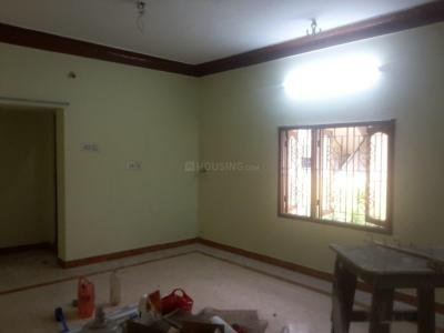 Gallery Cover Image of 850 Sq.ft 2 BHK Independent Floor for rent in Nanganallur for 11000
