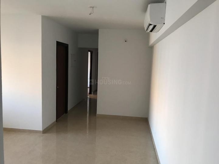 Living Room Image of 800 Sq.ft 2 BHK Apartment for buy in Cosmos Habitate A Wing, Thane West for 10000000