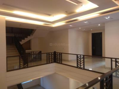 Gallery Cover Image of 10000 Sq.ft 5 BHK Independent House for rent in Chhattarpur for 400000