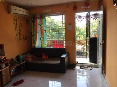 Gallery Cover Image of 350 Sq.ft 1 BHK Independent Floor for buy in Malad West for 2640000