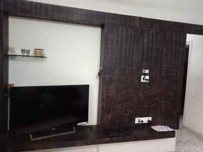 Gallery Cover Image of 1660 Sq.ft 3 BHK Apartment for rent in Kandivali East for 36000