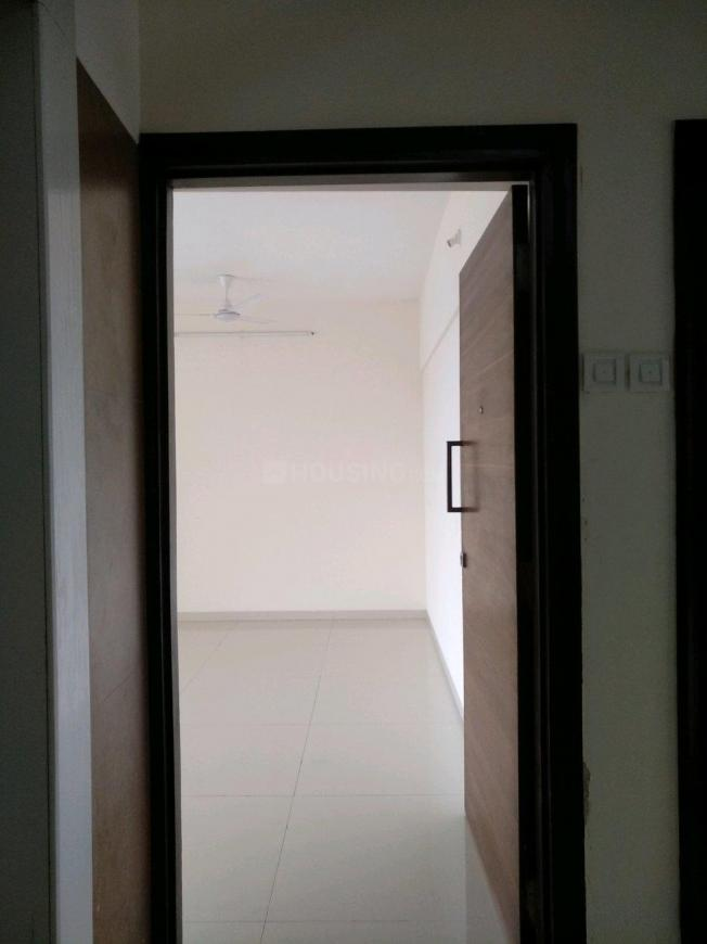 Main Entrance Image of 1050 Sq.ft 2 BHK Apartment for buy in Malad West for 17800000