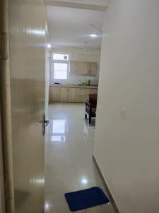 Gallery Cover Image of 340 Sq.ft 1 BHK Apartment for rent in Tulip Lemon, Sector 69 for 12000