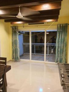 Gallery Cover Image of 1700 Sq.ft 3 BHK Apartment for rent in Thoraipakkam for 40000