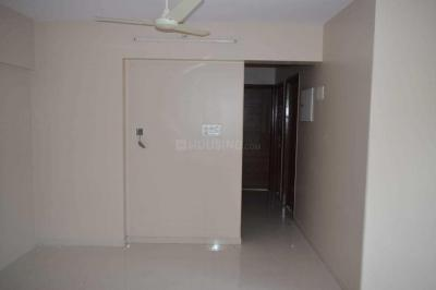 Gallery Cover Image of 630 Sq.ft 1 BHK Apartment for rent in Santacruz West for 50000
