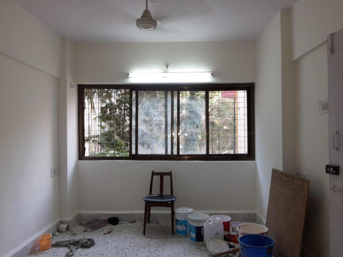 Living Room Image of 800 Sq.ft 2 BHK Apartment for rent in Kandivali West for 26000