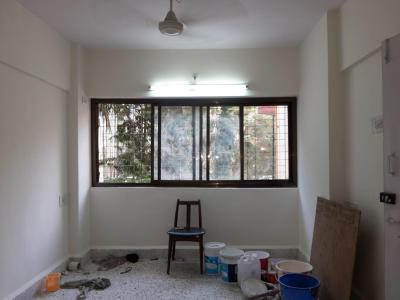 Gallery Cover Image of 800 Sq.ft 2 BHK Apartment for rent in Kandivali West for 26000