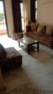 Gallery Cover Image of 1825 Sq.ft 3 BHK Villa for rent in Amrapali Leisure Valley, Noida Extension for 25000