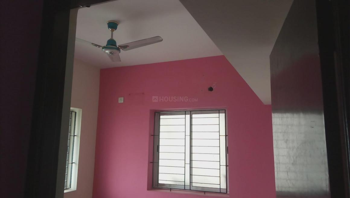 Bedroom Image of 913 Sq.ft 2 BHK Apartment for rent in Kolathur for 12000
