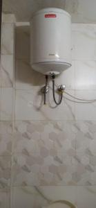 Bathroom Image of Mannat PG in Sector 27