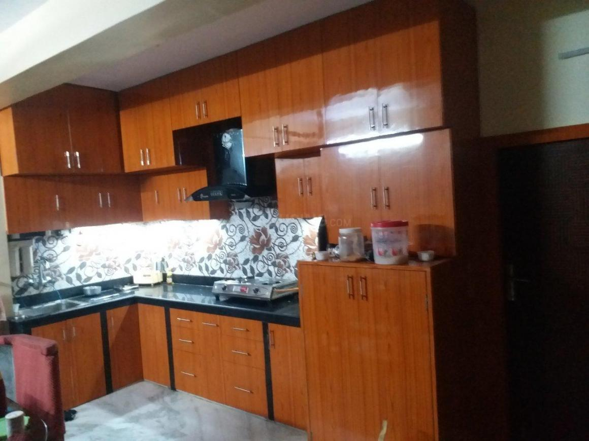 Kitchen Image of 1400 Sq.ft 4 BHK Apartment for rent in Mourigram for 16000