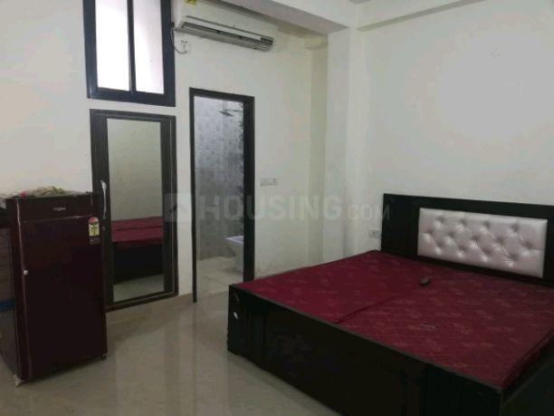 Bedroom Image of 400 Sq.ft 1 RK Apartment for rent in Sector 54 for 13000