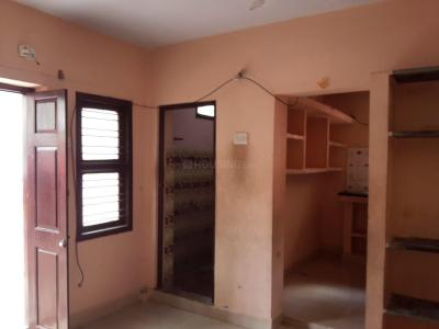 Gallery Cover Image of 550 Sq.ft 1 BHK Independent Floor for rent in Keelakattalai for 7000