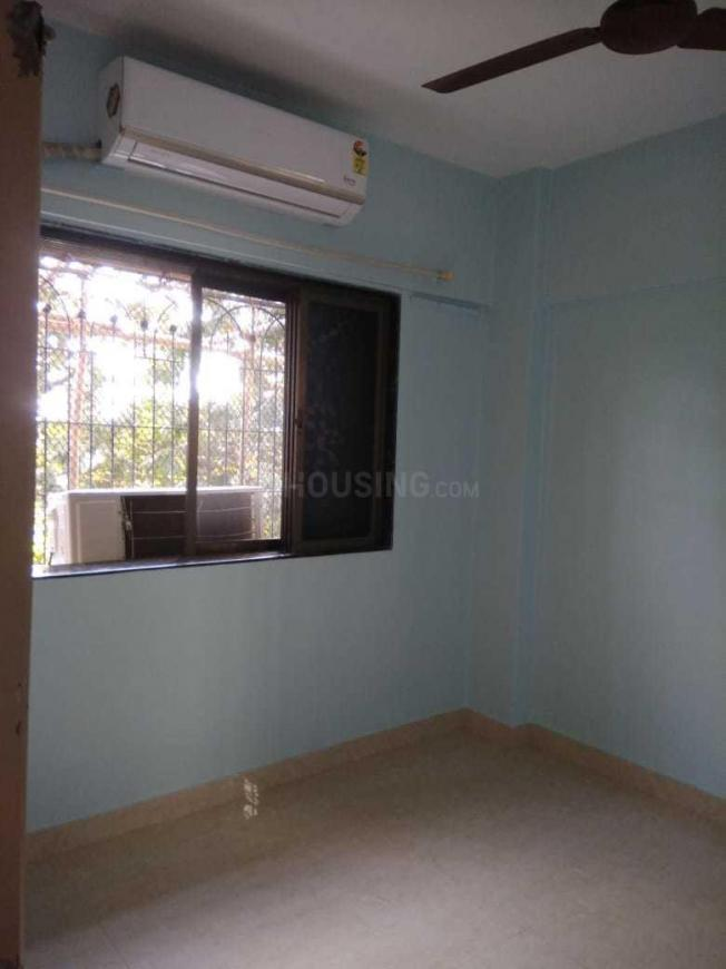 Living Room Image of 550 Sq.ft 1 BHK Apartment for rent in Kandivali East for 23000