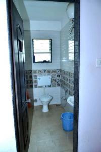 Bathroom Image of Mahalaxmi PG in Karve Nagar