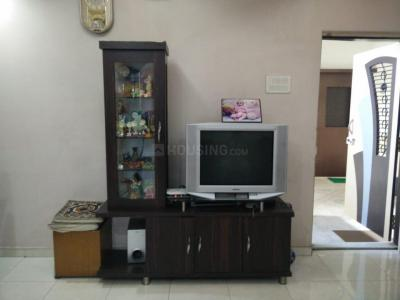Gallery Cover Image of 910 Sq.ft 2 BHK Apartment for rent in Runwal Estate, Thane West for 27000