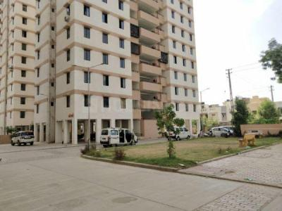 Gallery Cover Image of 1350 Sq.ft 3 BHK Apartment for rent in Gota for 9500