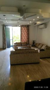 Gallery Cover Image of 2150 Sq.ft 3 BHK Independent House for rent in RWA Chittaranjan Park Block I, Chittaranjan Park for 70000