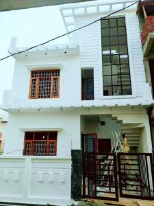 Gallery Cover Image of 2300 Sq.ft 5 BHK Villa for buy in Subhash Nagar for 8500000