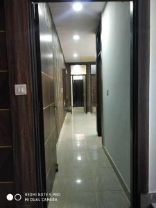 Gallery Cover Image of 1150 Sq.ft 3 BHK Independent Floor for buy in Niti Khand for 5400000