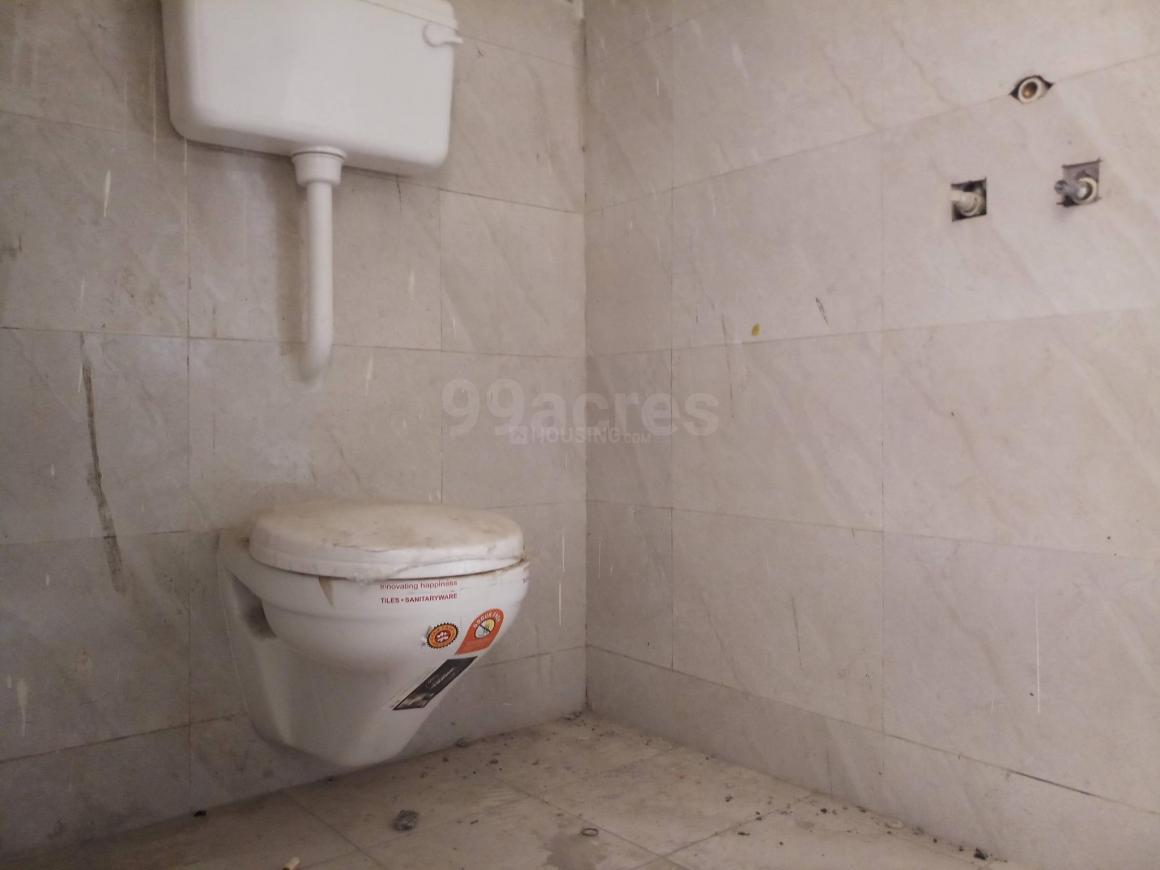Bathroom Image of 775 Sq.ft 2 BHK Apartment for rent in Mira Road East for 18000