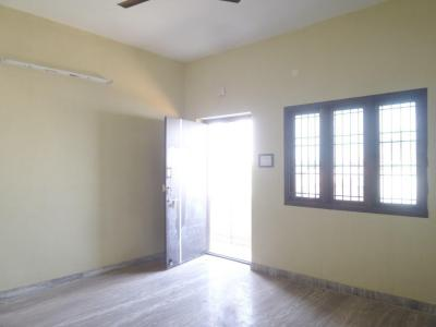 Gallery Cover Image of 780 Sq.ft 2 BHK Apartment for rent in Puzhal for 8000