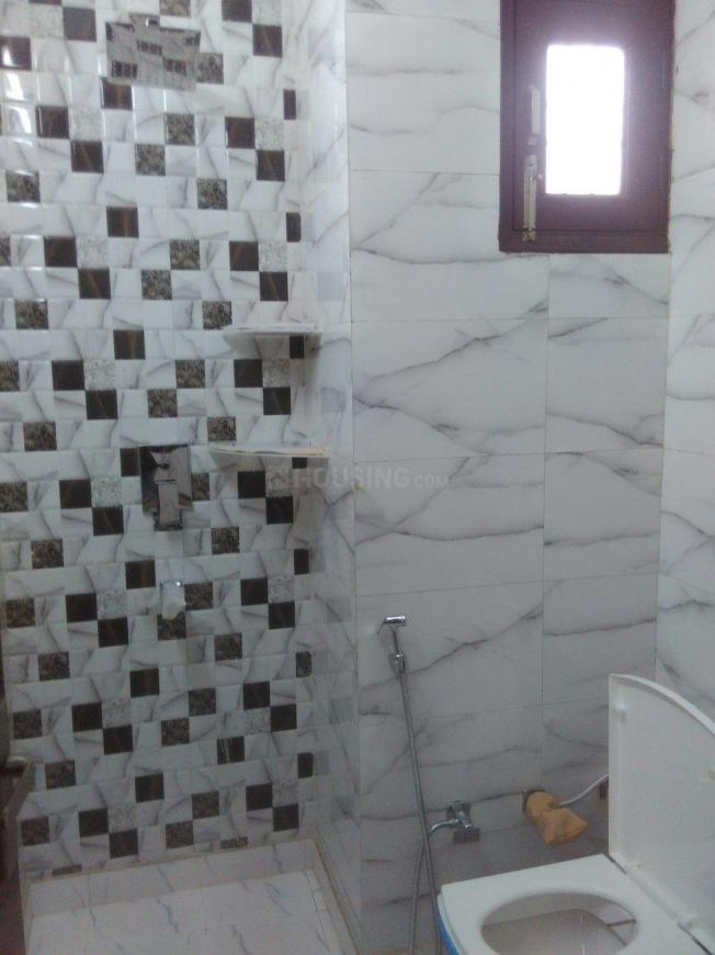 Bathroom Image of 650 Sq.ft 2 BHK Independent Floor for rent in Sector 19 Dwarka for 16500