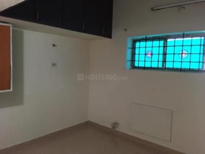 Gallery Cover Image of 800 Sq.ft 3 BHK Apartment for rent in Adyar for 30000