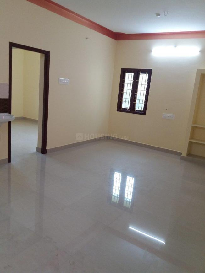 Living Room Image of 650 Sq.ft 1 BHK Apartment for rent in Perungalathur for 8250