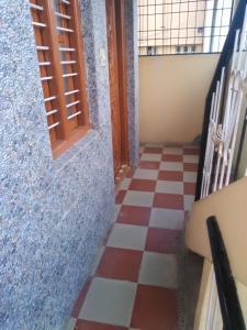 Gallery Cover Image of 500 Sq.ft 1 RK Independent Floor for rent in Krishnarajapura for 6000
