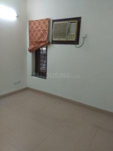 Gallery Cover Image of 1250 Sq.ft 3 BHK Apartment for rent in Sector 13 for 35000