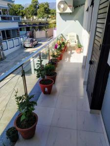 Gallery Cover Image of 1200 Sq.ft 2 BHK Independent Floor for buy in Govind Vihar for 4200000