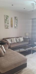 Gallery Cover Image of 1800 Sq.ft 3 BHK Apartment for rent in Viman Nagar for 85000