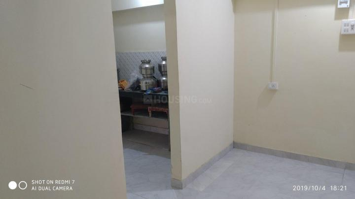 Living Room Image of 350 Sq.ft 1 BHK Apartment for rent in Borivali West for 13000