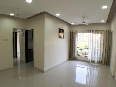 Gallery Cover Image of 1365 Sq.ft 3 BHK Apartment for buy in RNA N G Silver Spring Phase II, Mira Road East for 10237500