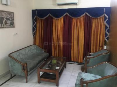 Gallery Cover Image of 1350 Sq.ft 3 BHK Apartment for rent in Paschim Vihar for 30000