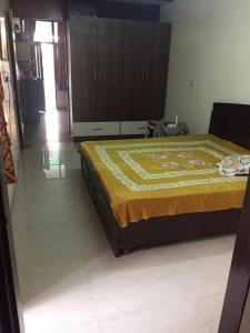 Gallery Cover Image of 4500 Sq.ft 1 BHK Independent Floor for rent in Sector 14 for 10000