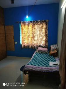 Gallery Cover Image of 950 Sq.ft 2 BHK Independent House for rent in Vibhutipura for 14000