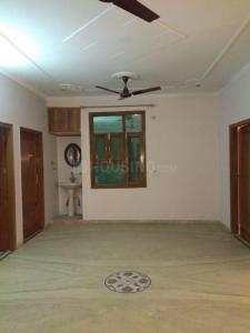 Gallery Cover Image of 1900 Sq.ft 3 BHK Independent Floor for rent in Vasant Kunj for 35000