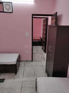 Bedroom Image of Sumera PG in Mukherjee Nagar