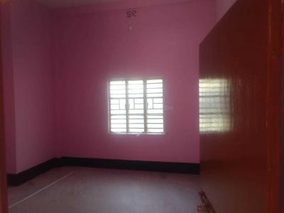 Gallery Cover Image of 1200 Sq.ft 3 BHK Independent Floor for rent in North Dum Dum for 12000