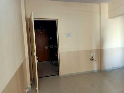 Gallery Cover Image of 750 Sq.ft 2 BHK Apartment for rent in Malad West for 27000