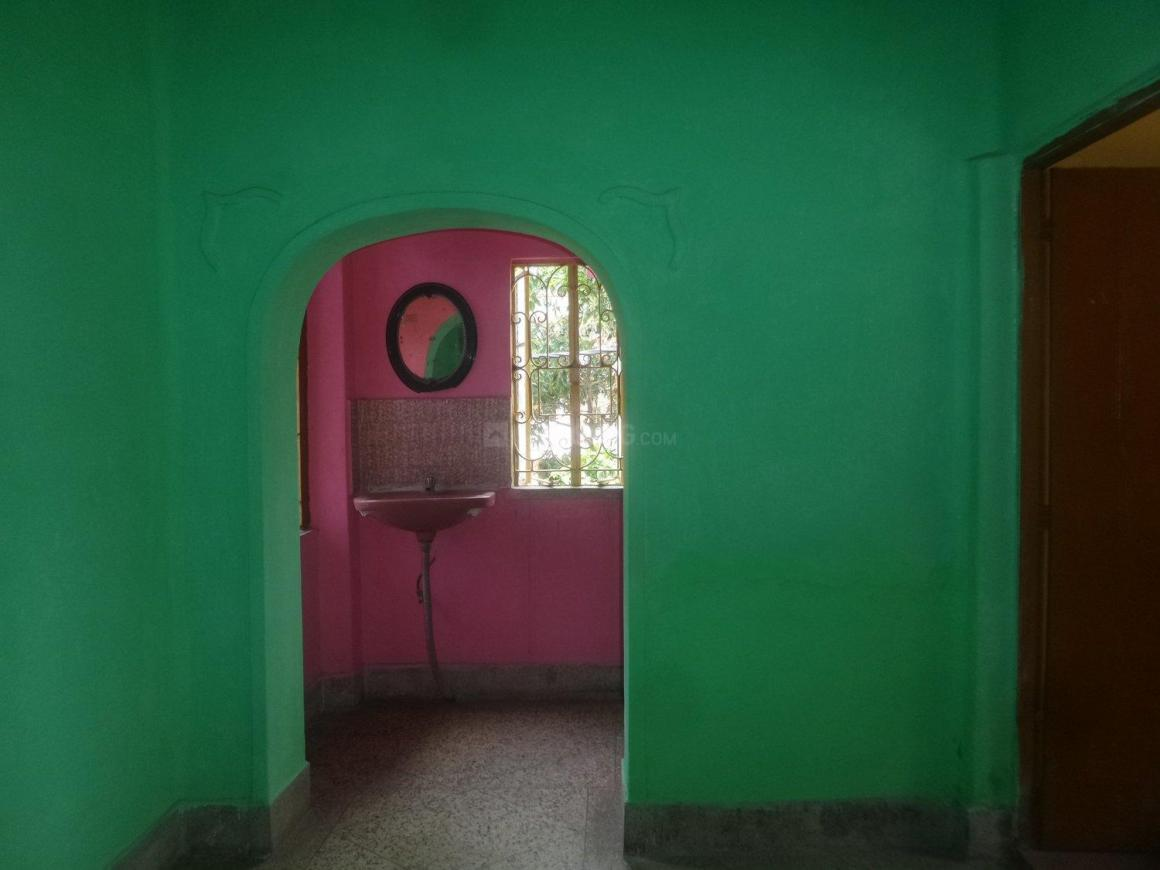 Living Room Image of 600 Sq.ft 2 BHK Independent House for rent in Barisha for 7500