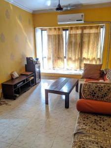 Gallery Cover Image of 1050 Sq.ft 2 BHK Apartment for rent in Andheri East for 40000